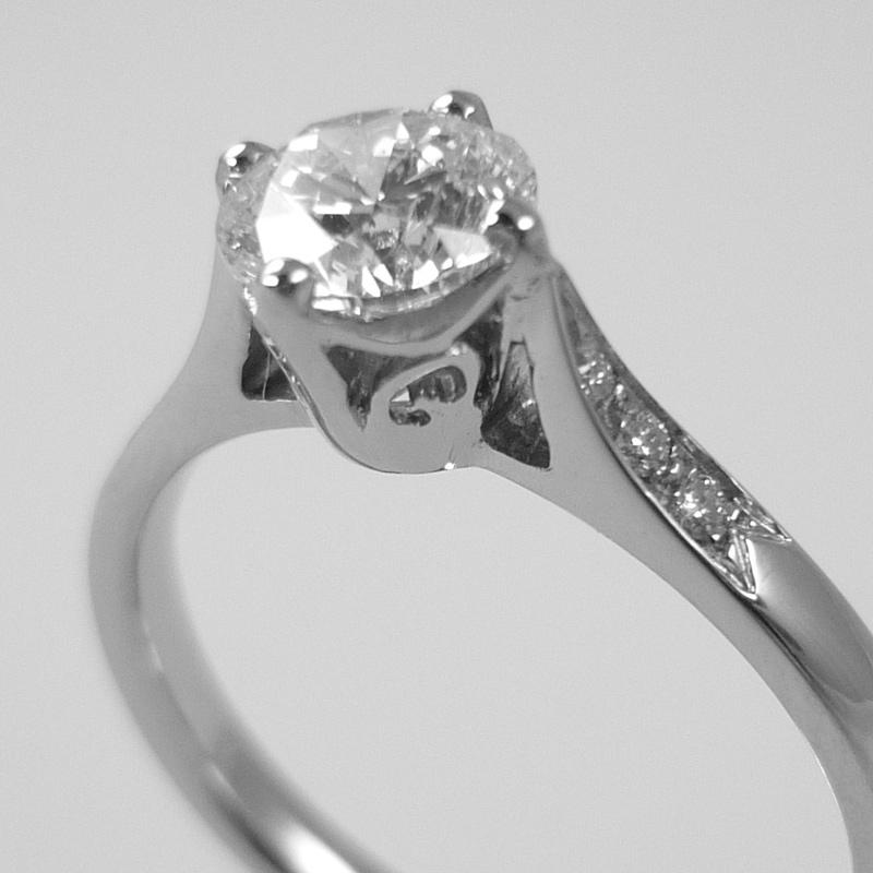 er5 Engagement Rings