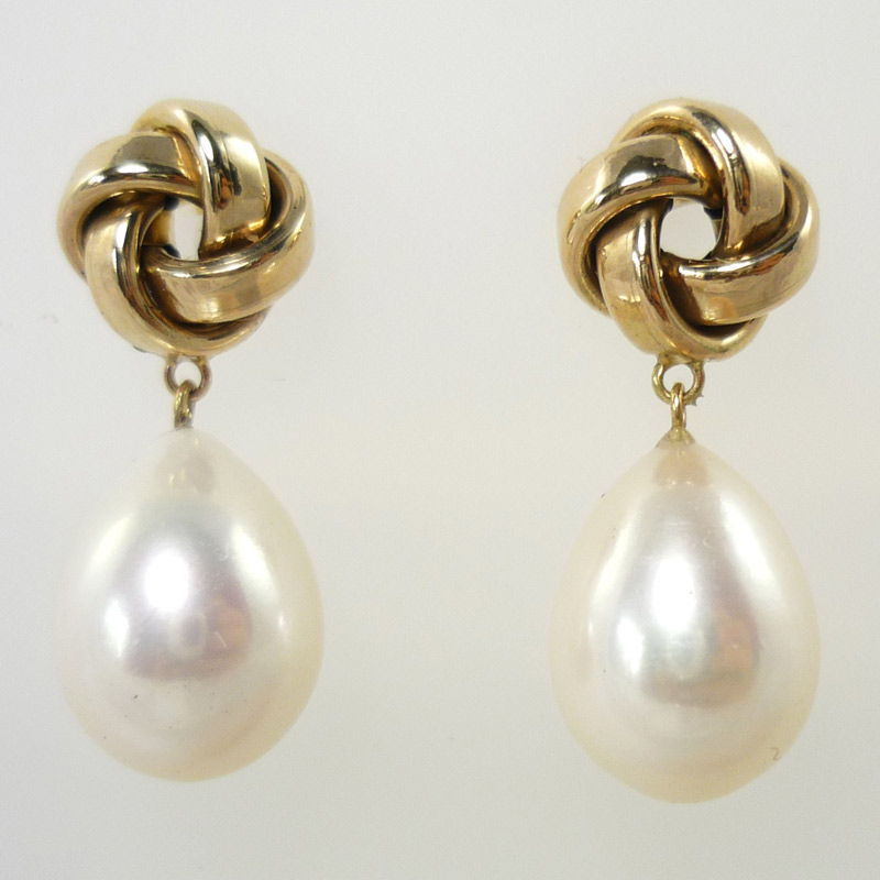 9ct-knot-with-fresh-water-pearl-drops Earrings
